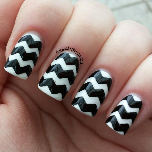 Black-and-white-chevron-nails